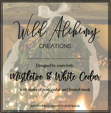 Load image into Gallery viewer, Mistletoe & White Cedar Snap bar