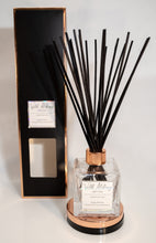 Load image into Gallery viewer, Sweet Tooth Cravings Reed Diffuser