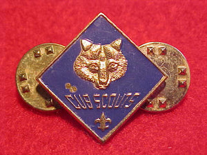 CUB SCOUTS LEADER PIN, 2 CLUTCH BACK PINS ON BACK