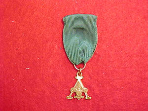 "SCOUTER'S TRAINING AWARD ""A"" DESIGN MEDAL, 1948-56 ISSUE, MARKED 1/20 G.F."" ROBBINS CO., GREEN RIBBON"