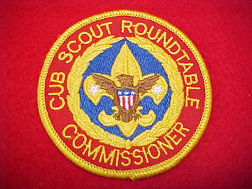 CUB SCOUT ROUNDTABLE COMMISSIONER, BLUE BEHIND TENDERFOOT EMBLEM, 1991+