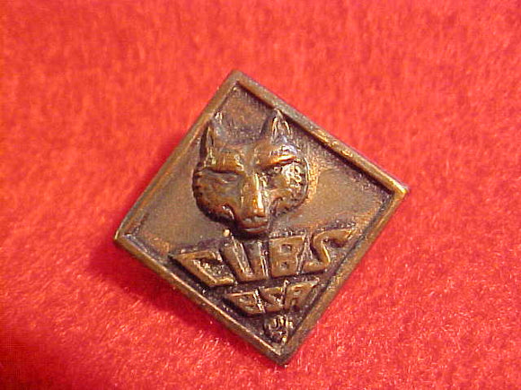 WOLF PIN,CUBS BSA,1930-46. THIN METAL WWII VARIETY,BENT WIRE CLASP