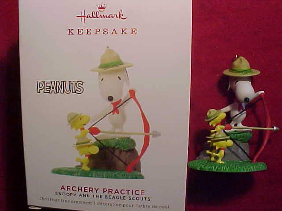 SNOOPY & BEAGLE SCOUTS ORNAMENT, ARCHERY PRACTICE