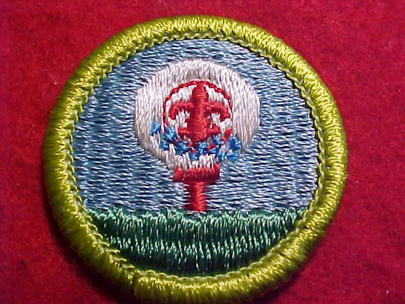 GOLF, MERIT BADGE WITH CLEAR PLASTIC BACK, GREEN BORDER, NO IMPRINTS/LOGOS IN PLASTIC, 1972-2002