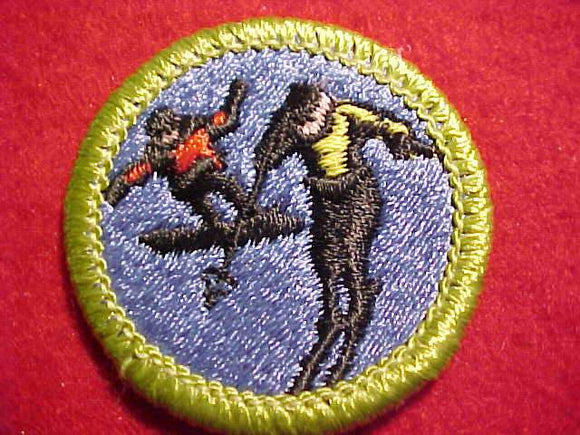 SNOW SPORTS, MERIT BADGE WITH CLEAR PLASTIC BACK, GREEN BORDER, NO IMPRINTS/LOGOS IN PLASTIC, 1999-2002