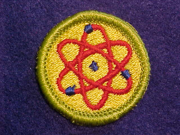 ATOMIC ENERGY, MERIT BADGE WITH CLOTH BACK, GREEN BORDER