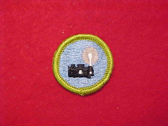 PHOTOGRAPHY, MERIT BADGE WITH CLOTH BACK, GREEN BORDER, 1960-72