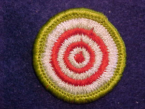 MARKSMANSHIP, MERIT BADGE WITH CLOTH BACK, GREEN BORDER
