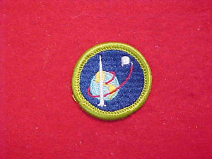 SPACE EXPLORATION, MERIT BADGE WITH CLOTH BACK, GREEN BORDER, 1965-72