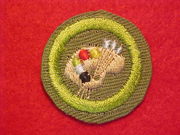 ART, MERIT BADGE WITH CRIMPED EDGE, KHAKI, ISSUED 1946-60