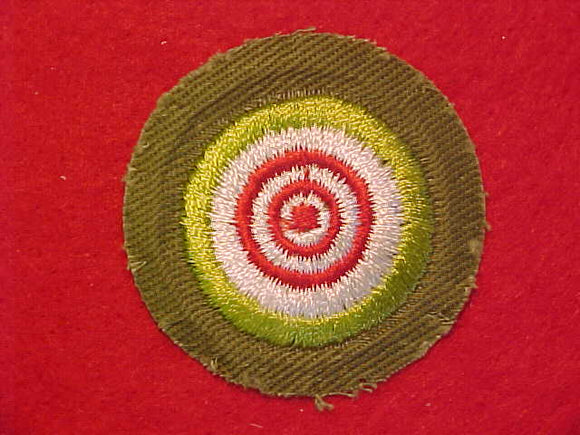 MARKSMANSHIP, MERIT BADGE WITH CRIMPED EDGE, KHAKI, ISSUED 1946-60