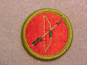 ARCHERY, MERIT BADGE WITH CLEAR PLASTIC BACK, GREEN BORDER, NO IMPRINTS/LOGOS IN PLASTIC