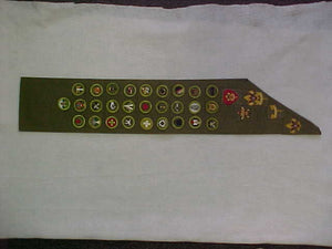 MERIT BADGE SASH, 1940'S-50'S, 31 MERIT BADGES ON KHAKI GREEN TWILL