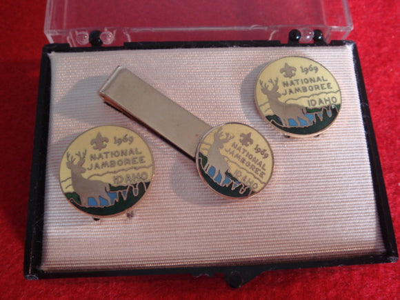 69 NJ cuff link and tie bar set, mint in box