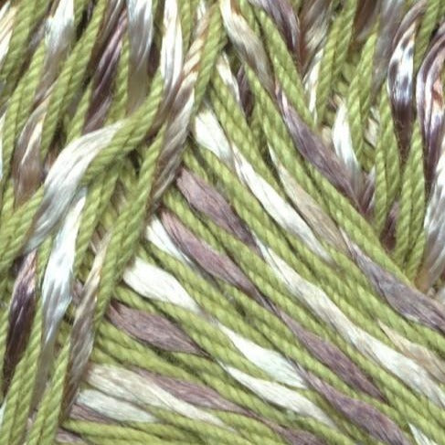 cloce up image of yarn swatch showing 9 ply yarn with 6 strands of moss green yarn and 3 strands on speckled white and grey
