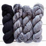 urth yarns merino gradient kit black grey 806