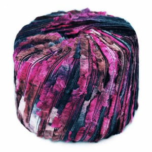 feather yarn xanadu euro yarns novelty fuzzy yarn black and white 30