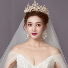 Load image into Gallery viewer, Ethereal Charming Aphrodite Diadem