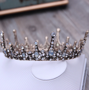 Dreamy Royal Vintage Crown