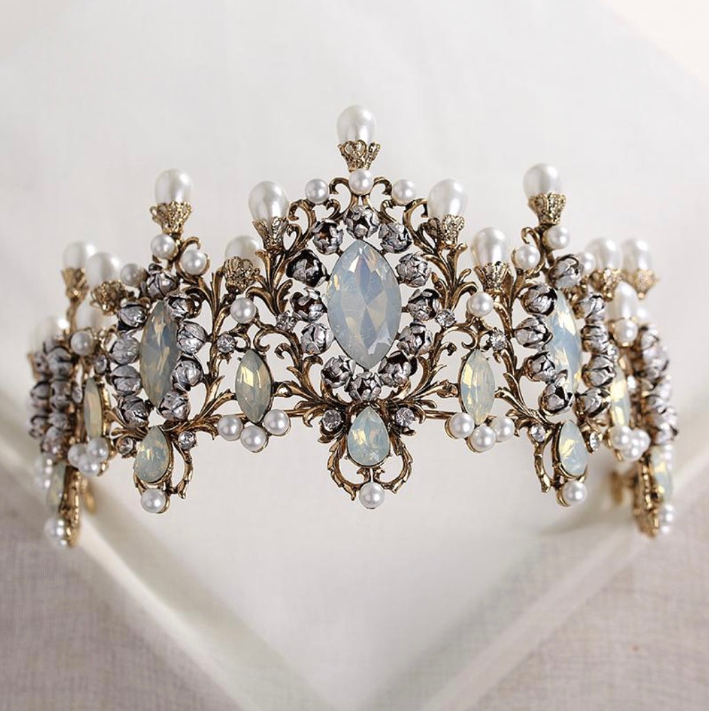 Darling Retro Pearl Headpiece