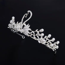 Load image into Gallery viewer, Magnificent Silver Swan Crown