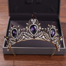 Load image into Gallery viewer, Red-Carpet Tasteful Timeless Tiara
