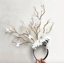 Load image into Gallery viewer, Spellbinding Tree Branch Headpiece