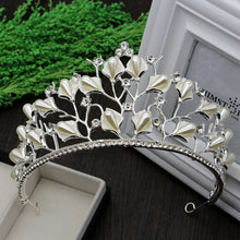 Load image into Gallery viewer, Woodland Fairy Delicate Diadem