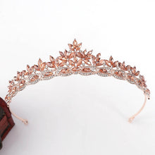 Load image into Gallery viewer, Sweetest Petite Classic Tiara