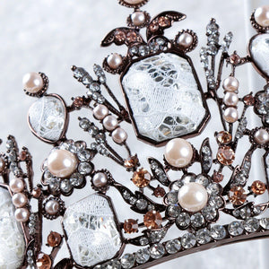 Fanciful Daring Vintage Crown