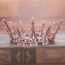 Load image into Gallery viewer, Daring Elegant Vintage Crown