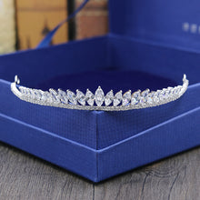 Load image into Gallery viewer, Glitzy Stately Zirconia Tiara