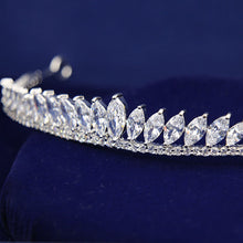 Load image into Gallery viewer, Glitzy Stately Zircon Tiara