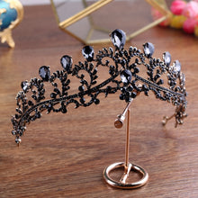 Load image into Gallery viewer, Effortless Queenly Black Diadem
