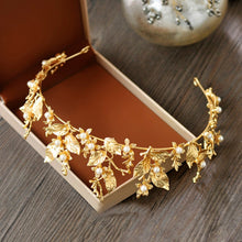Load image into Gallery viewer, Lovely Gold Leaf Tiara