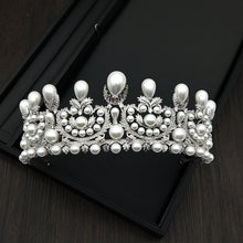 Load image into Gallery viewer, Special Stunning Pearl Tiara