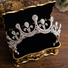 Load image into Gallery viewer, Impeccable Luxurious Royal Tiara