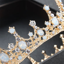 Load image into Gallery viewer, Exquisite Royal Vintage Crown In Gold