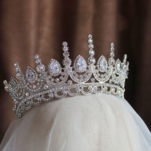 Load image into Gallery viewer, Magnetic Noble Pageant Tiara