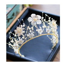 Load image into Gallery viewer, Jaunty Handmade Pearl Tiara