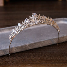 Load image into Gallery viewer, Stunning Goddess Bride Tiara