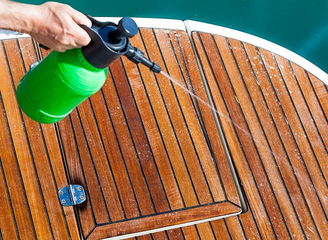 <br></p>How Do I Clean My Boat Floor?