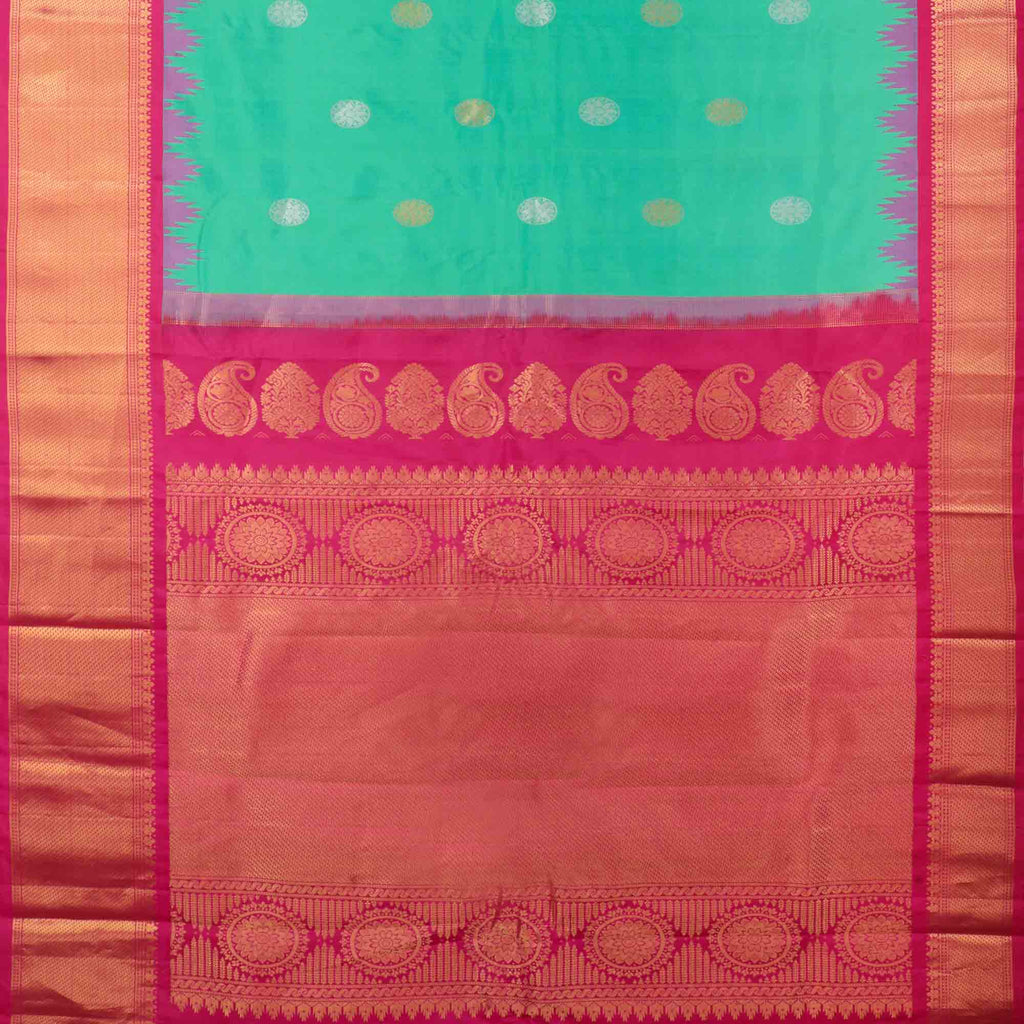 Viridian Green Gadwal Silk Handloom Saree With Kuttu Border