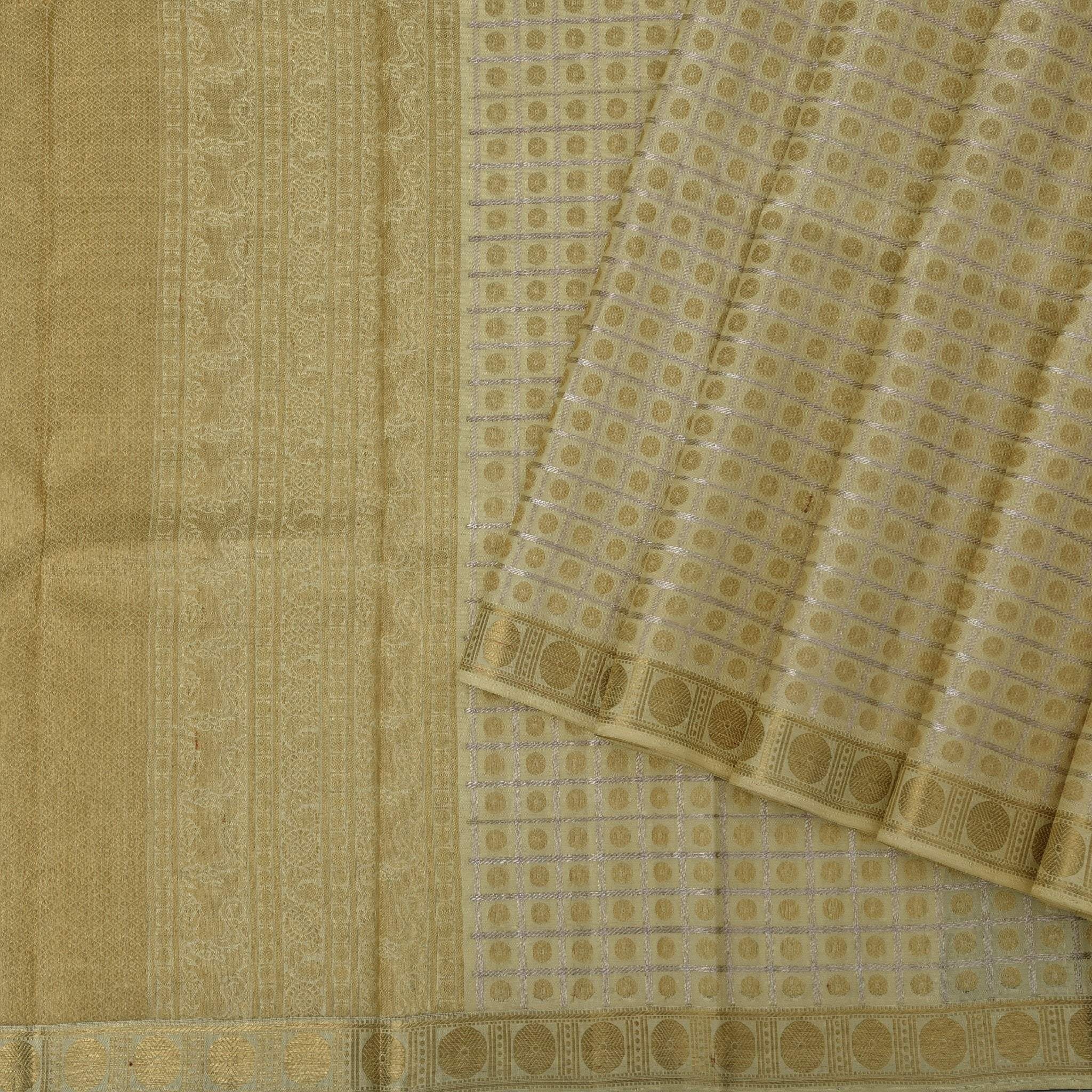 Soft-Cream-checkered-Borderless-Kanjivaram-Handloom-Silk-Saree