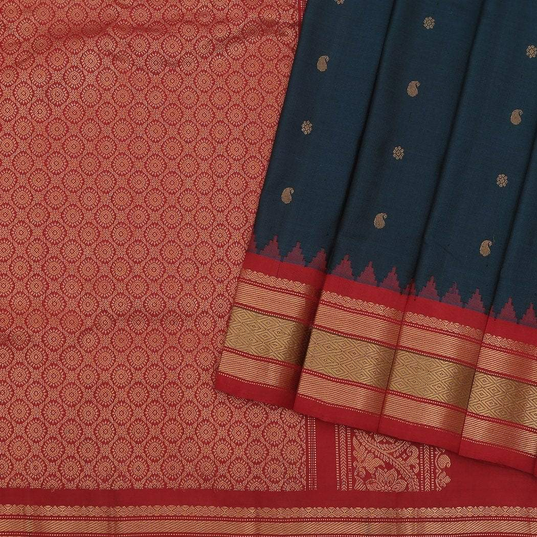 Dark-Peacock-Green-Gadwal-Silk-Handloom-Saree-With-Paisley-Buttas
