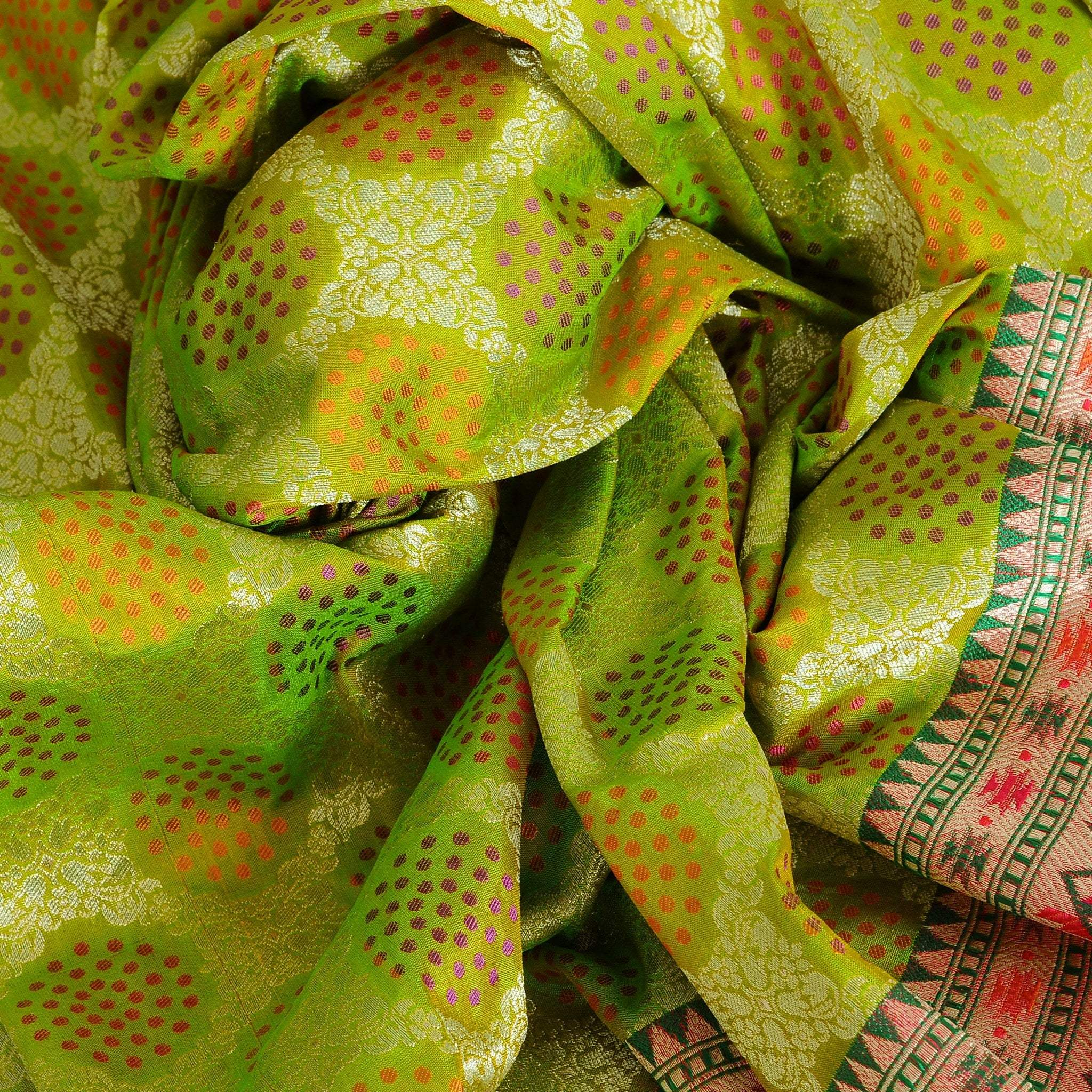 BB101893-Apple Green Tanchoi Banarasi Silk Handloom Saree