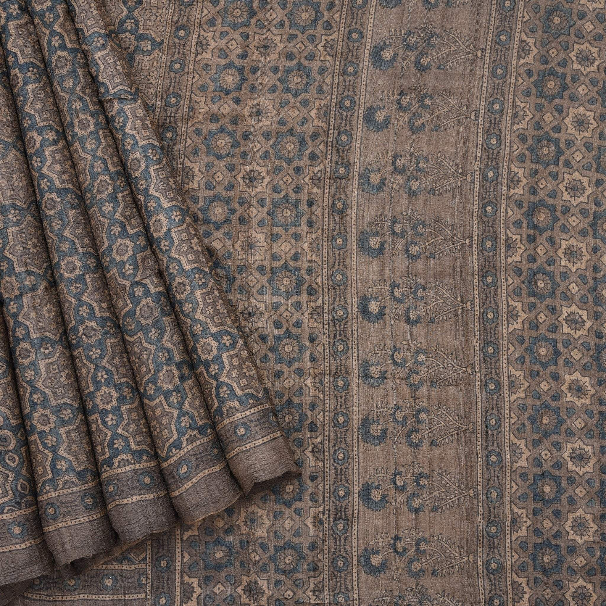 Stone-Grey-Tussar-Printed-Handloom-Saree