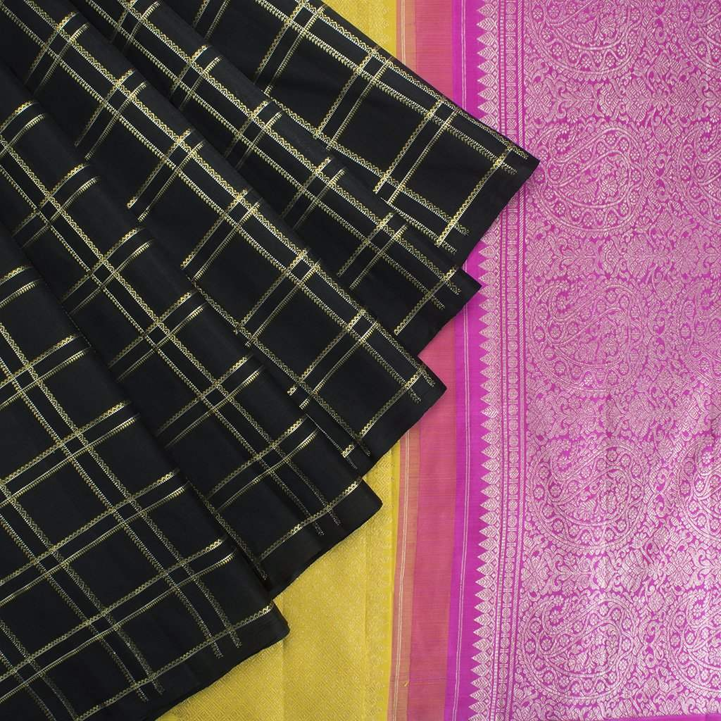Black-Borderless-Kanjivaram-Silk-Handloom-Saree