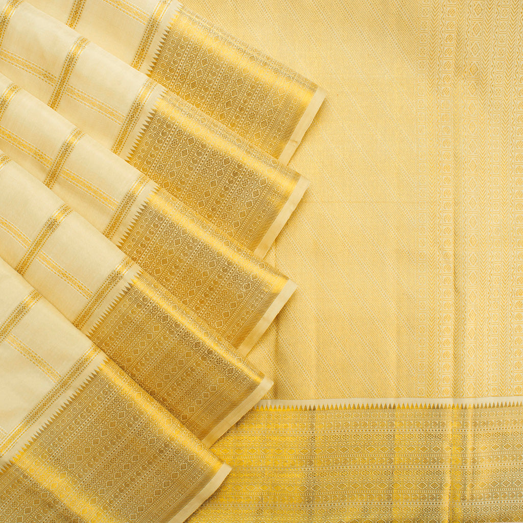 Off-White Kanjivaram Silk Handloom Saree With Checks-227880