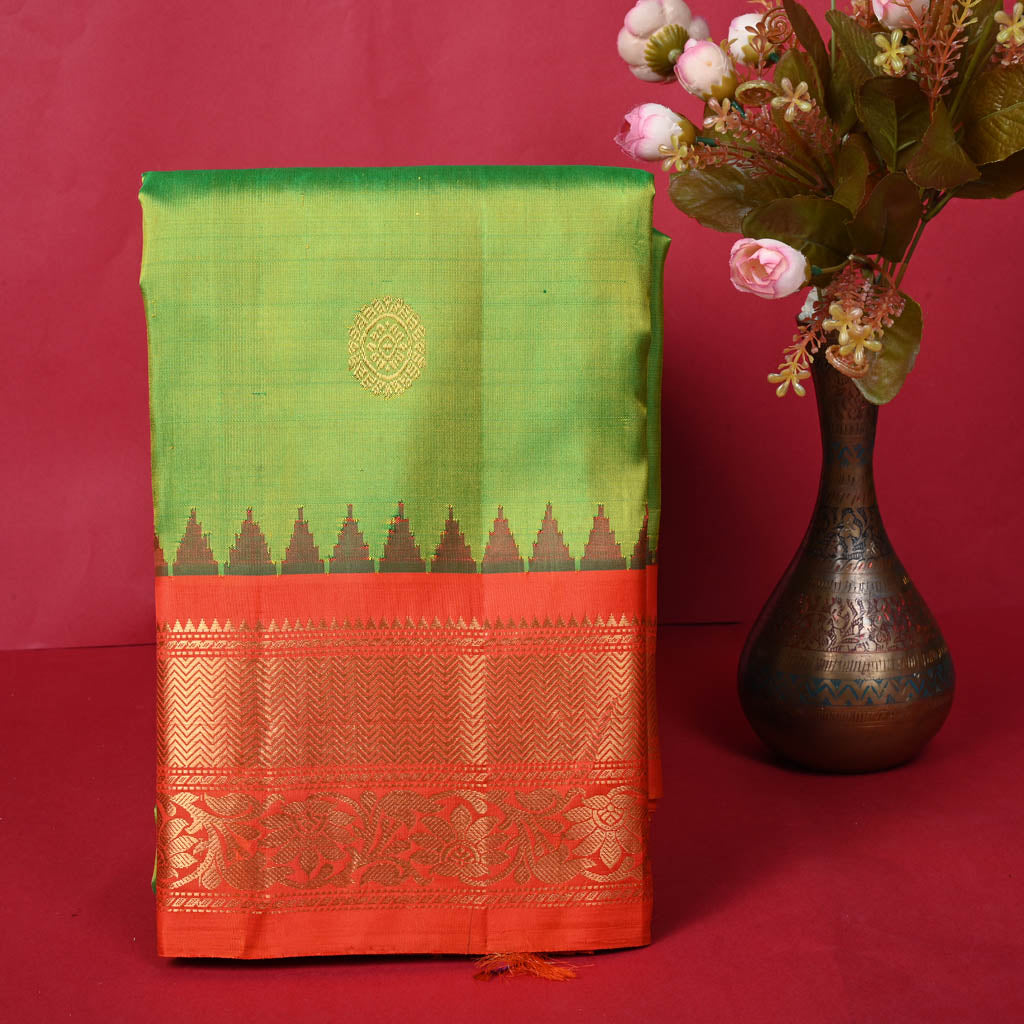 G37-Pear Green Gadwal Silk Handloom Saree